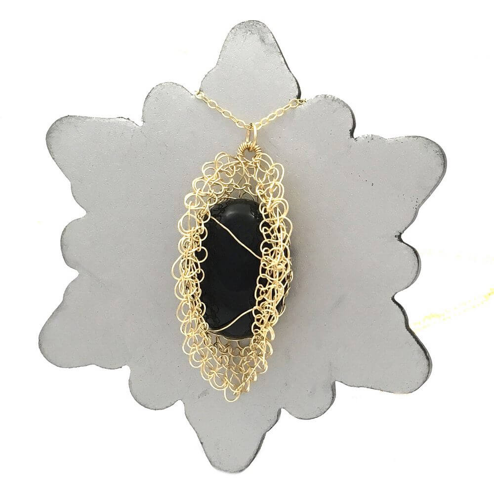 Gold Onyx Bloom Necklace